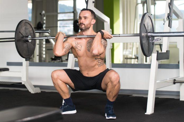 Front squat ou squat avant